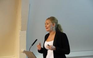 Sentralstyremedlem Julia Brännström snakker om medlemspleie