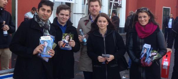 Til Danmark for å sikre valgseier