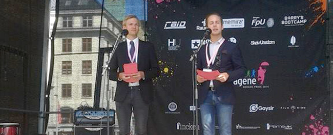 Christian Haugen (til vestre) er fylkesstyremedlem i Hordaland FpU og er nestleder for Regnbuedagene i Bergen.